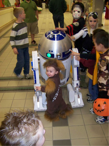 R2-D2 Belknap Mall Halloween Party