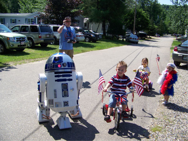 R2-D2 LSP Bike Parade