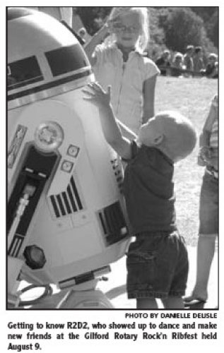 R2-D2 at Ribfest in Newspaper